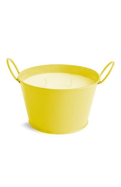 Gelbe Zitronell-Kerze mit zwei Dochten