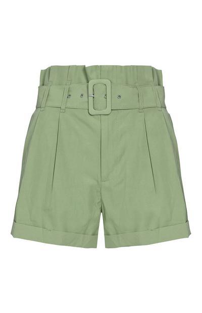 Khakifarbene Shorts mit Schnalle