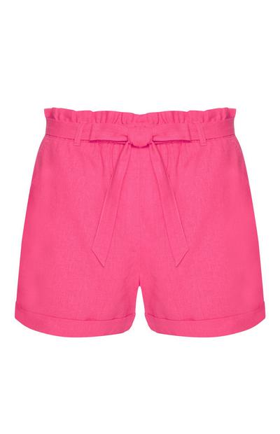 Pinke Shorts mit Gürtel