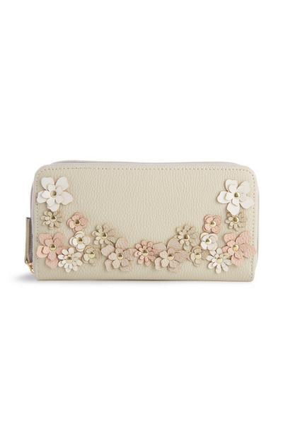 Brieftasche mit floralen Nieten