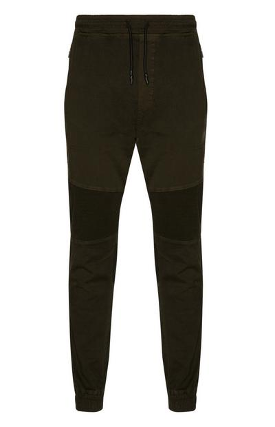 Khakifarbene Hose mit Bündchen