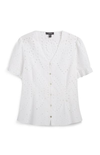 Weiße Bluse mit Knöpfen