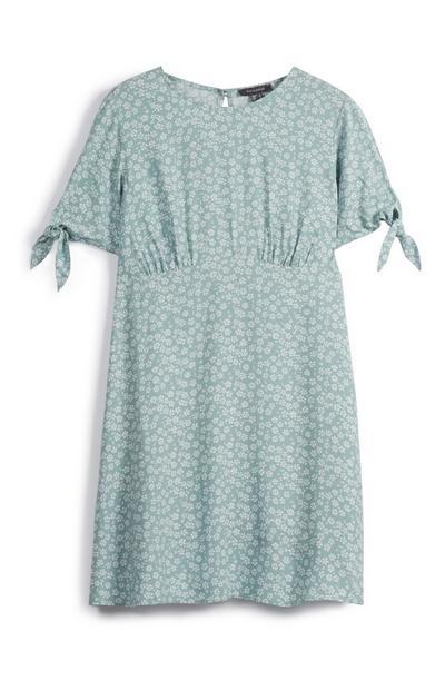 Kleid mit Zierknoten an den Ärmeln