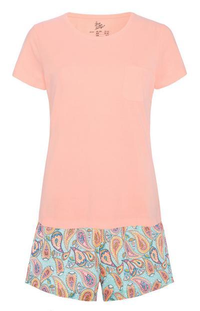 Rosafarbenes Pyjamaset mit Paisleymuster