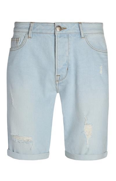 Hellblaue Shorts im Used-Look