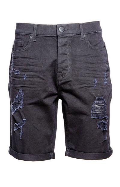 Schwarze Shorts im Used-Look