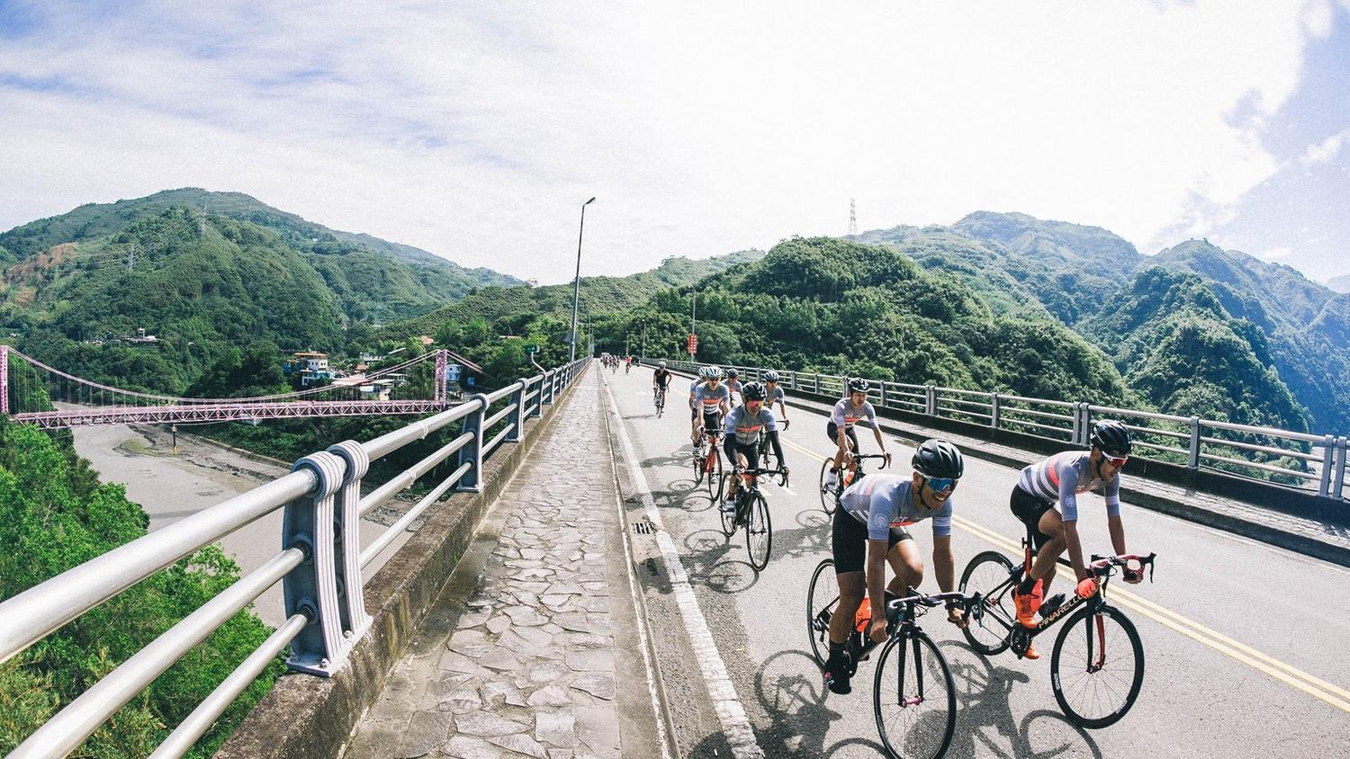 Rapha Cycling Club Summit Wuling