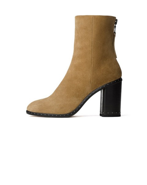 Womens Shoes Boots To Loafers To Sandals With An Urban
