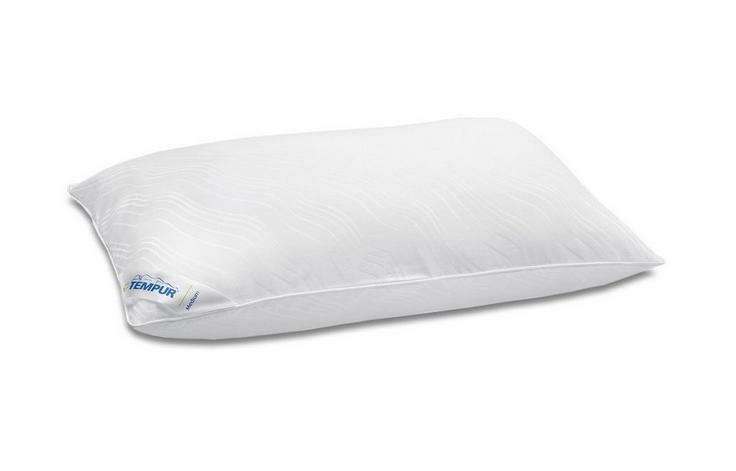 TEMPUR® Traditional Pillow - Designed for easy movement