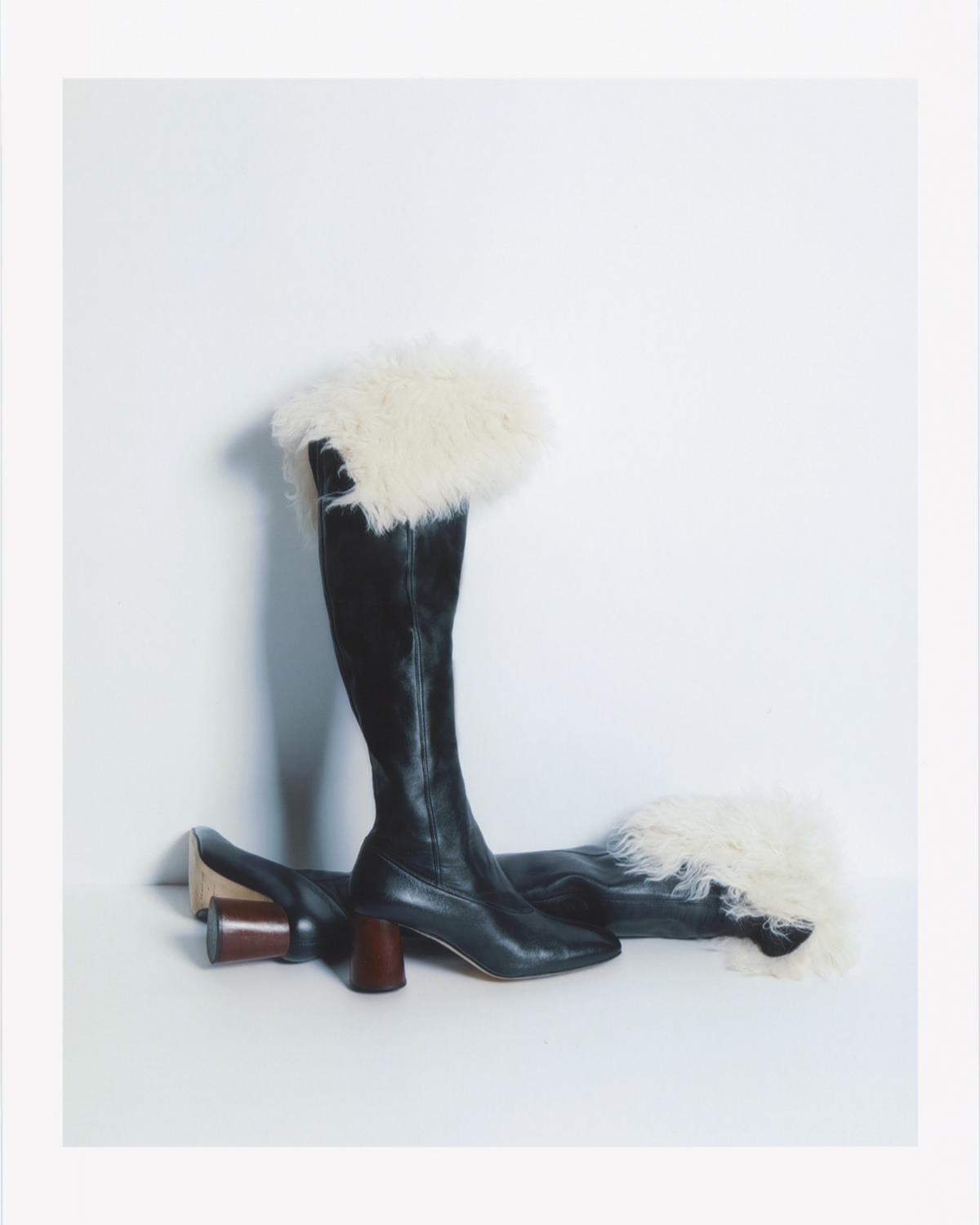 SQUARE TOE SHEARLING BOOT