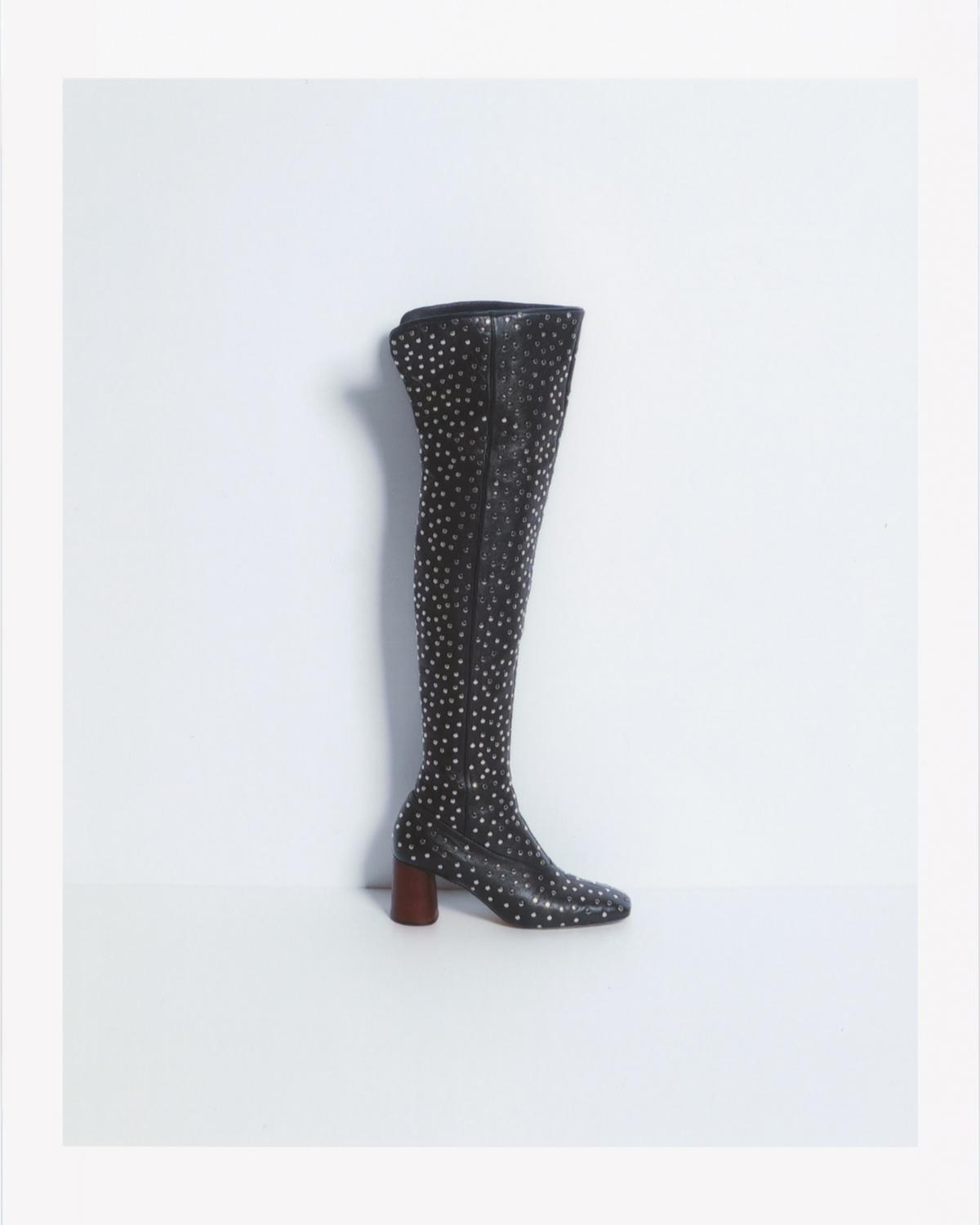 STUD SQUARE TOE BOOT