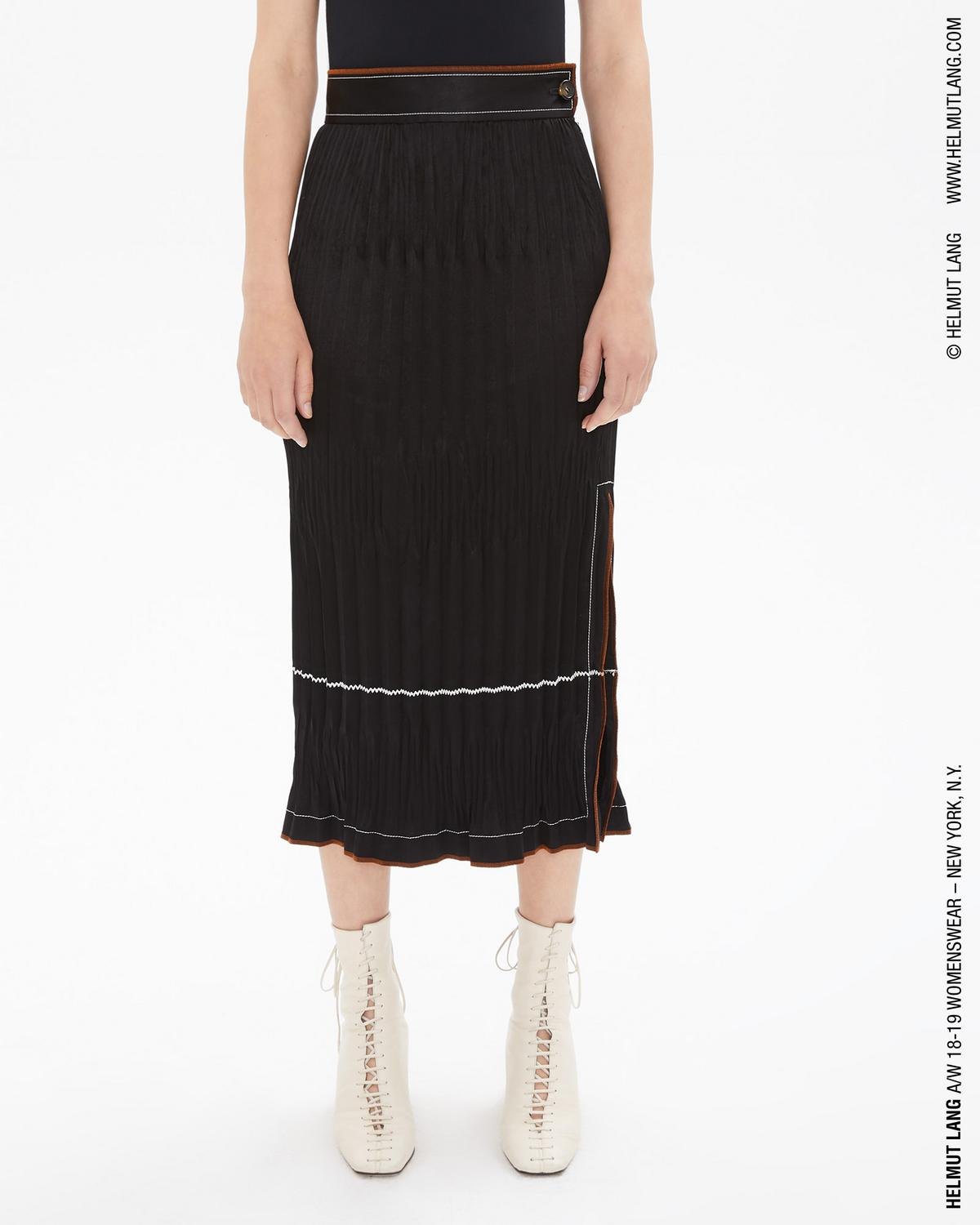 CRINKLE PLEATED SKIRT