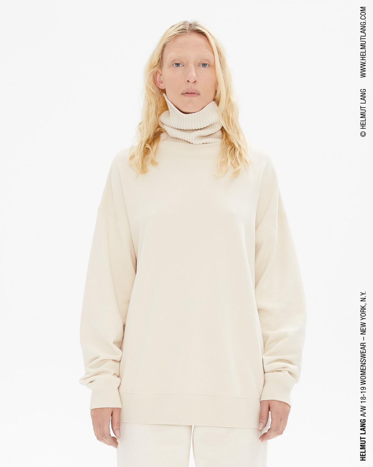 KNIT TURTLENECK SWEATSHIRT