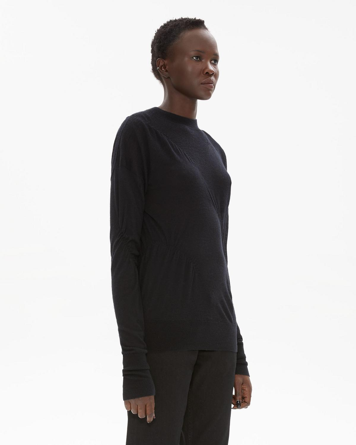 ELASTICATED CASHMERE CREWNECK SWEATER