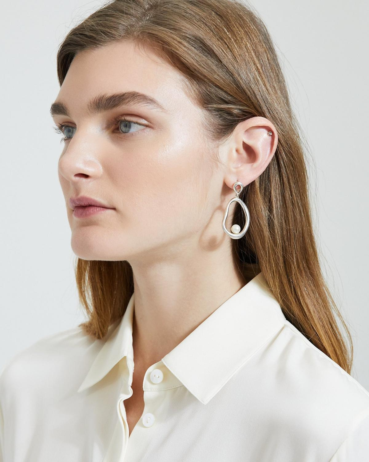 Ileana Makri Pearl Flow Earrings
