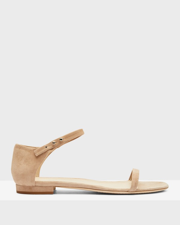 Flat Sandal in Suede