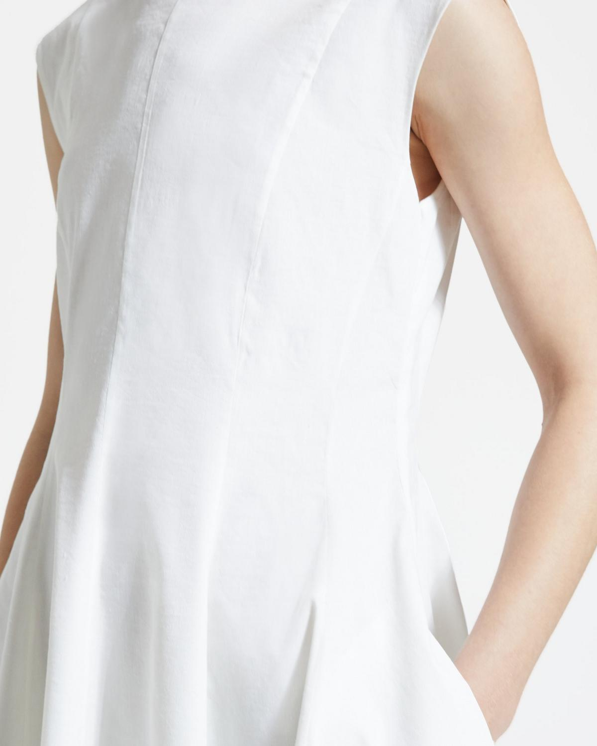 Sleeveless Peplum Dress in Good Linen