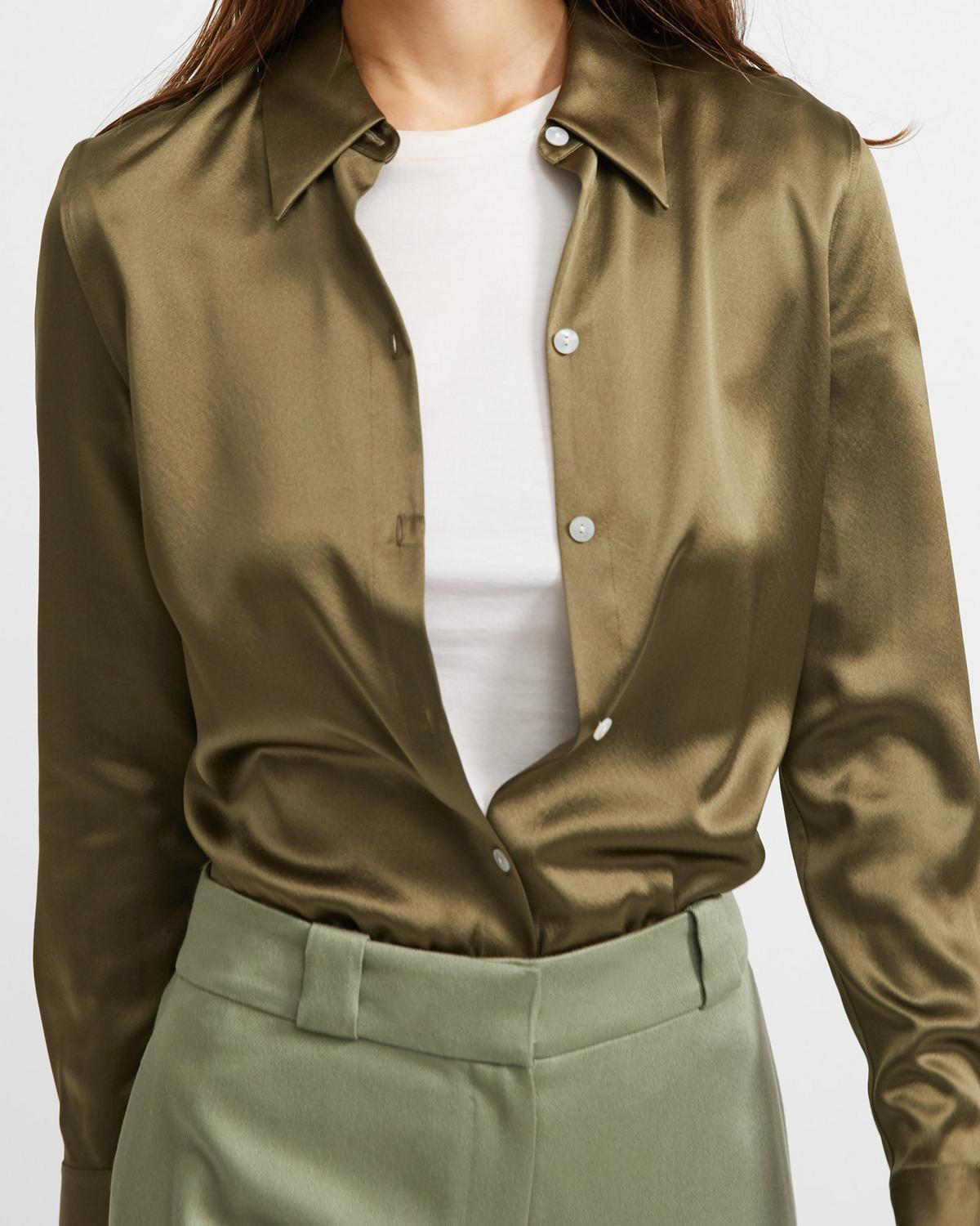 Perfect Fitted Shirt in Stretch Satin