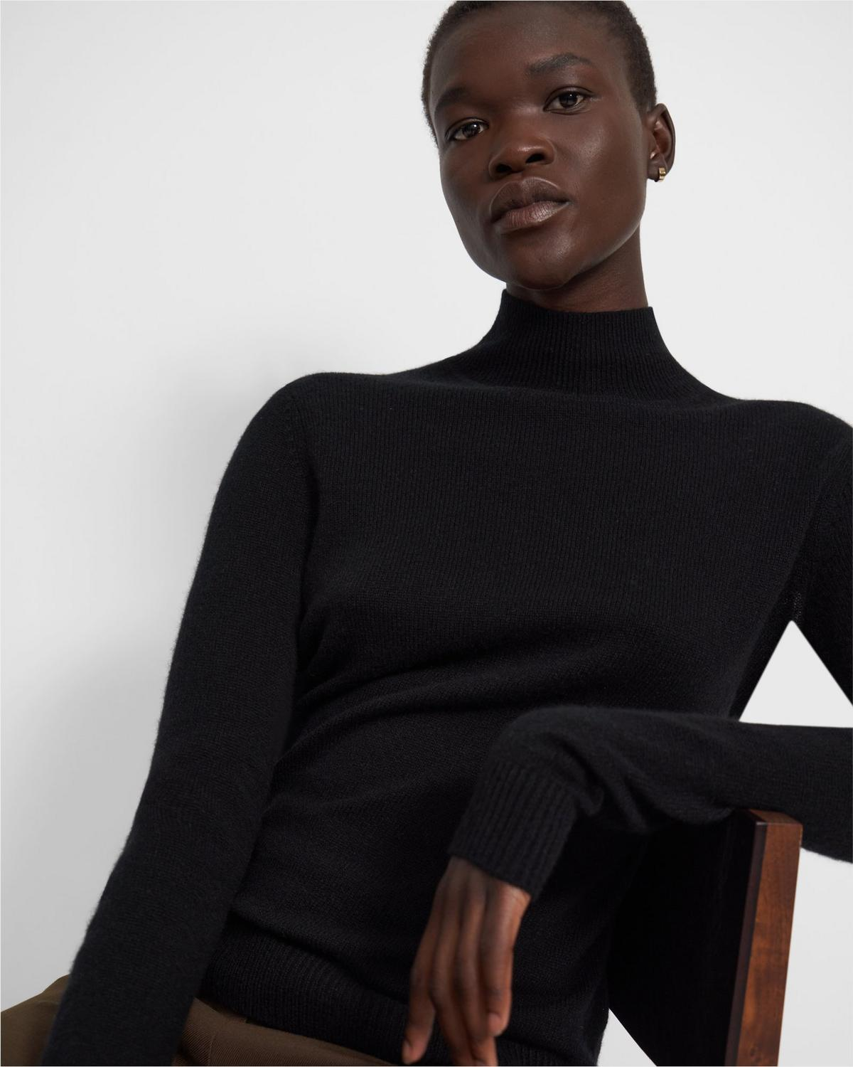 Basic Turtleneck Sweater in Feather Cashmere
