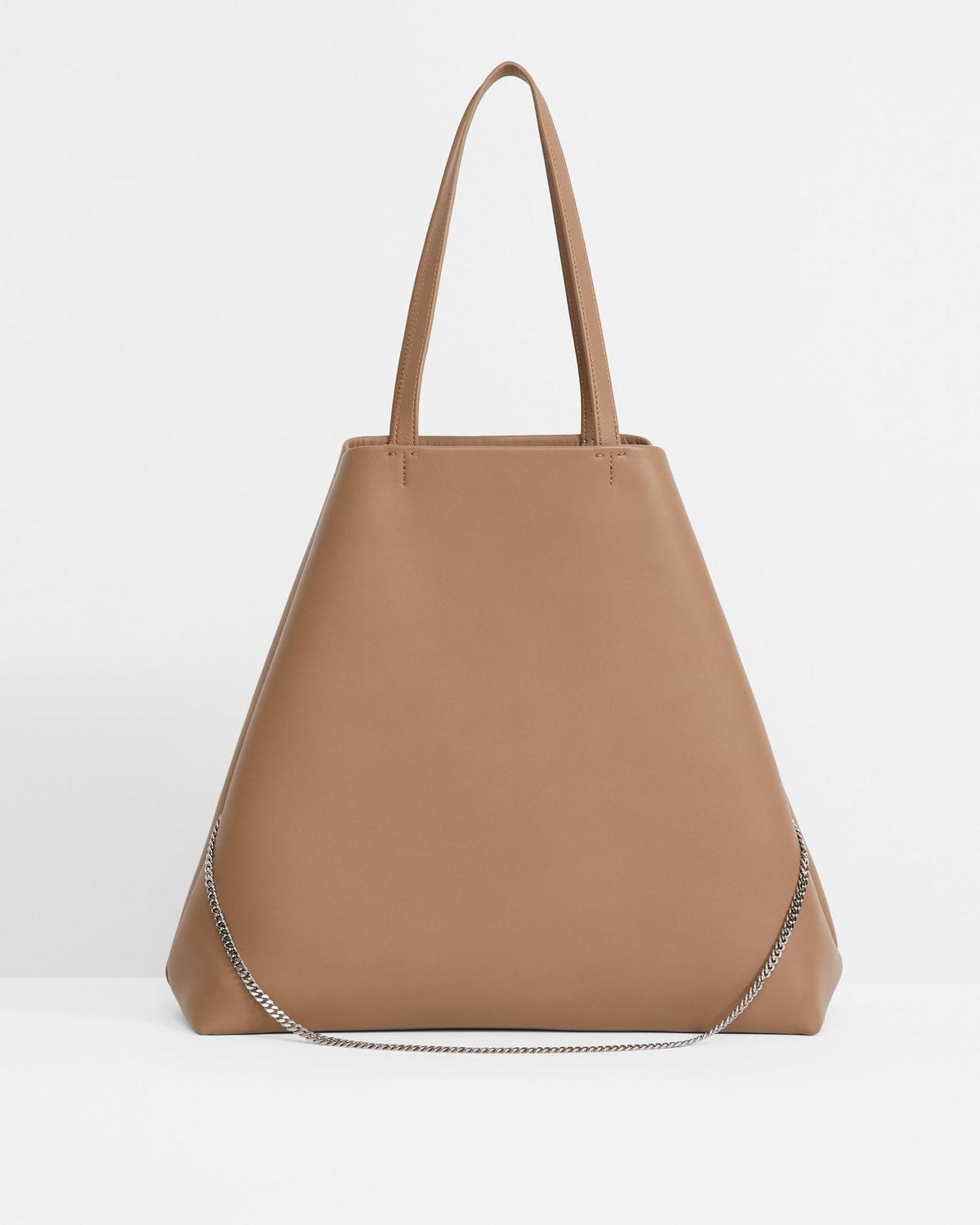 Simple Tote in Leather
