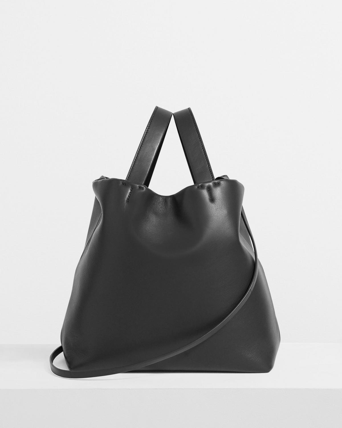 Medium Simple Tote in Leather