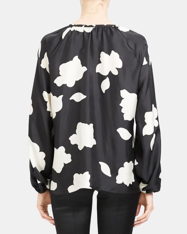 띠어리 꽃잎 프린트 브이넥 탑 Theory Open V-Neck Top in Petal Print Silk,BLACK