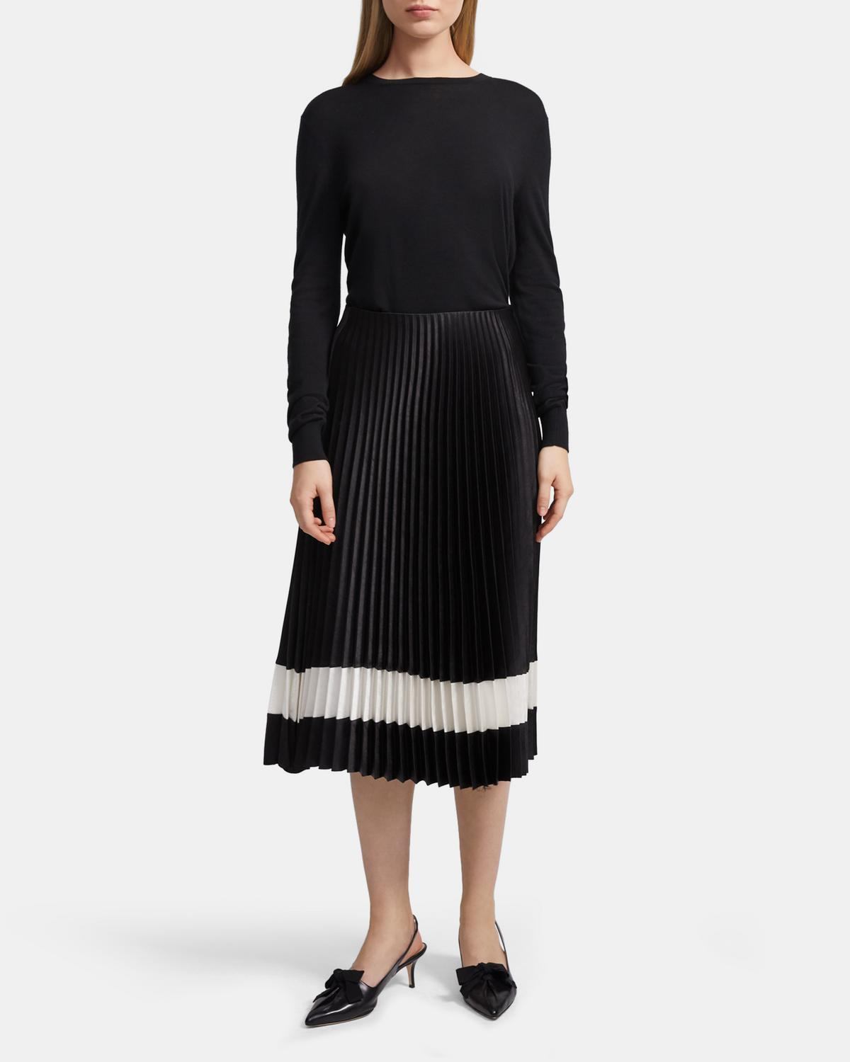 Pleated Skirt in Double Sateen