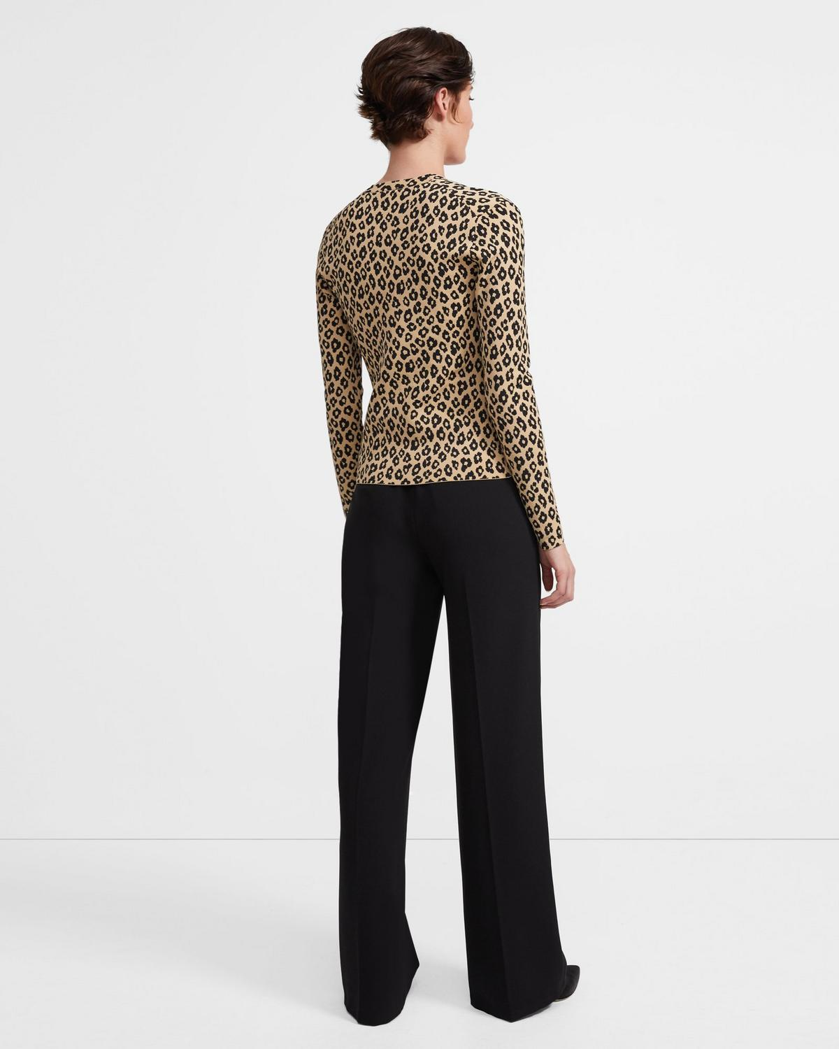 Cardigan in Leopard Knit