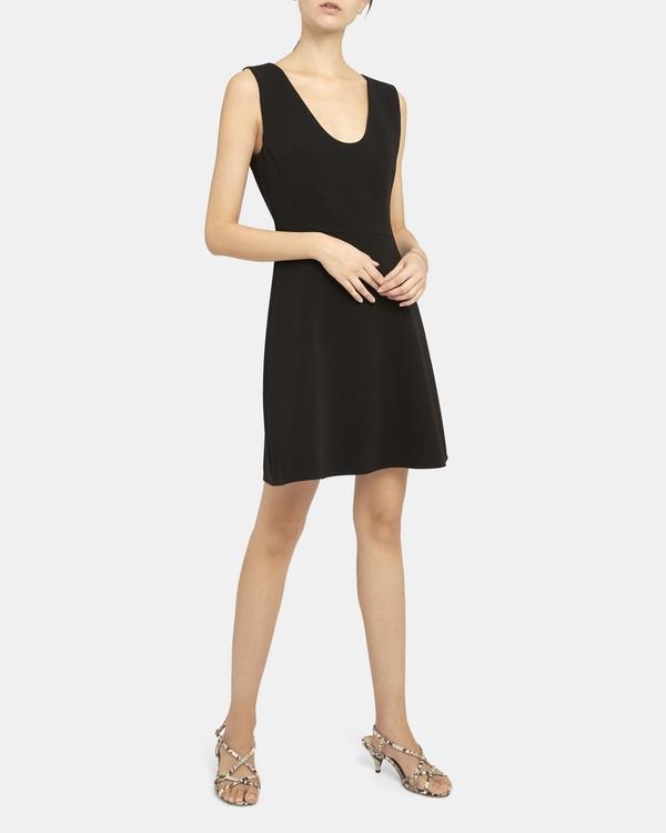 띠어리 스쿱넥 플라운스 원피스 - 블랙 Theory Scoop Neck Flounce Dress in Double Crepe