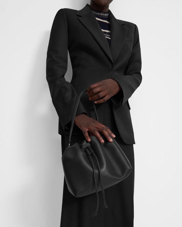 20FW 띠어리 신치 새크백 미니 - 4 컬러 Theory Mini Cinch Sack in Leather