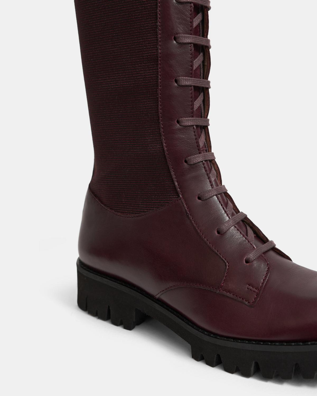 LACED LUG BOOT