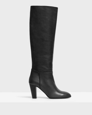 Knee Boot in Leather