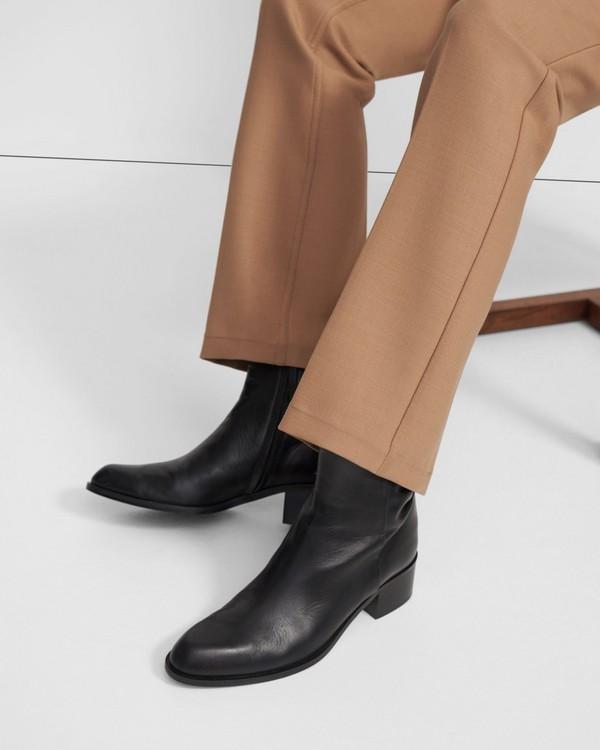 띠어리 Theory Slit Boot in Leather,BLACK