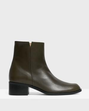 Slit Boot in Leather