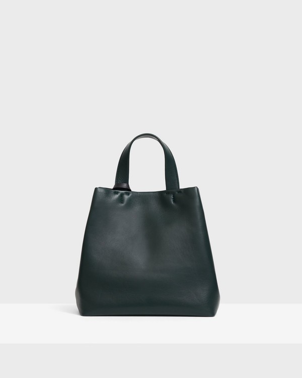 Small Simple Tote in Leather