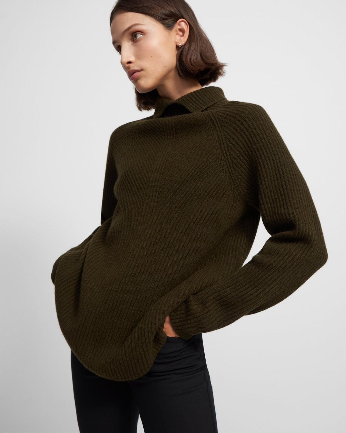 Moving Rib Turtleneck Sweater in Cashmere
