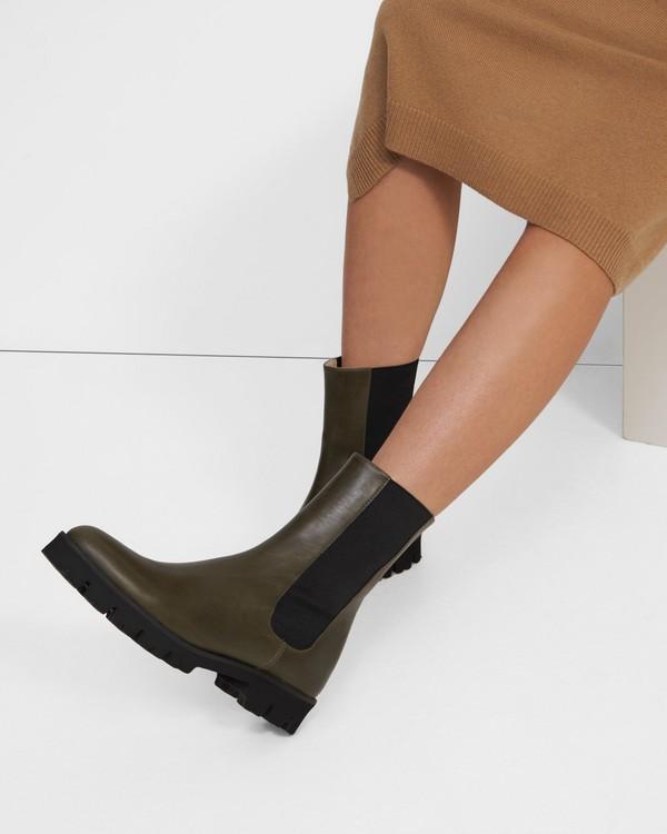 띠어리 Theory Chelsea Boot in Leather,OLIVE