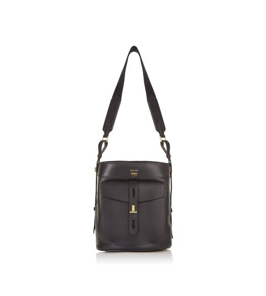 HOLLYWOOD LEATHER T TWIST BUCKET BAG