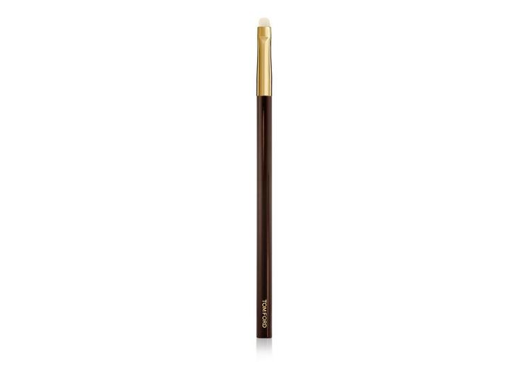 Eyeliner And Definer Brush 15 A fullsize