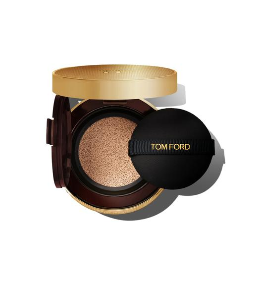SHADE & ILLUMINATE FOUNDATION SOFT RADIANCE FOUNDATION CUSHION COMPACT SPF 45