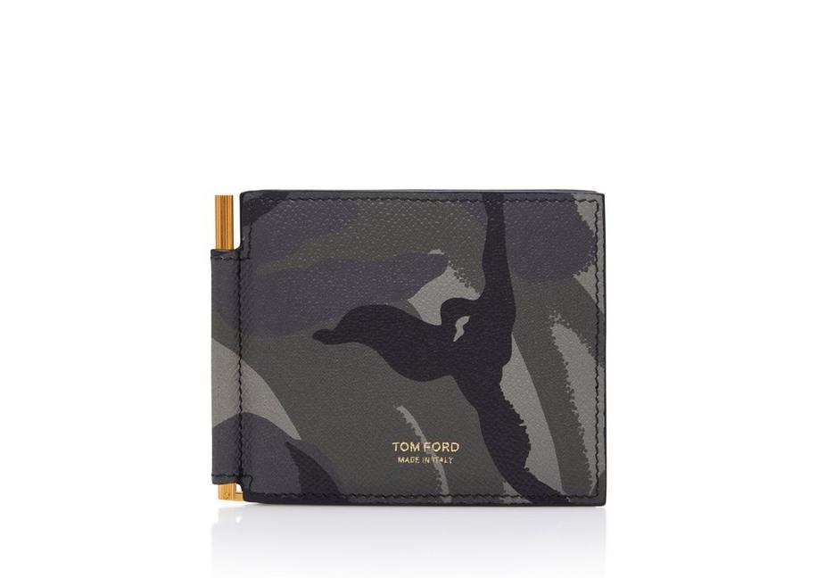 HORIZONTAL GRAIN LEATHER ZIP WALLET WITH CARD SLOT A fullsize