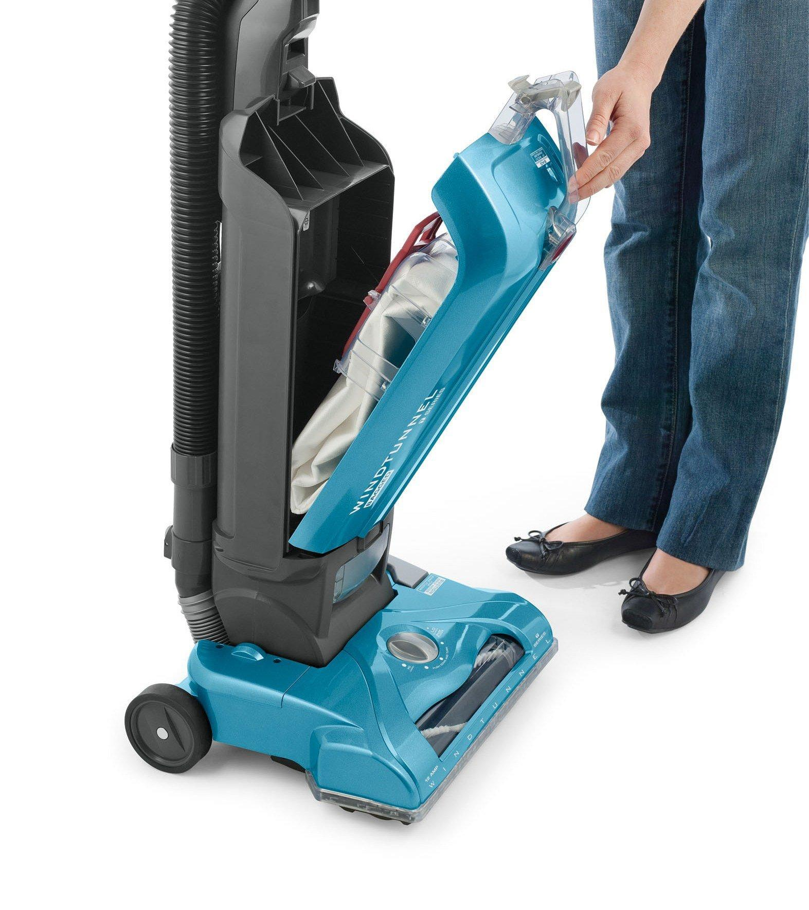Hoover-WindTunnel-T-Series-Bagged-Upright-Vacuum-Cleaner-UH30300 thumbnail 5