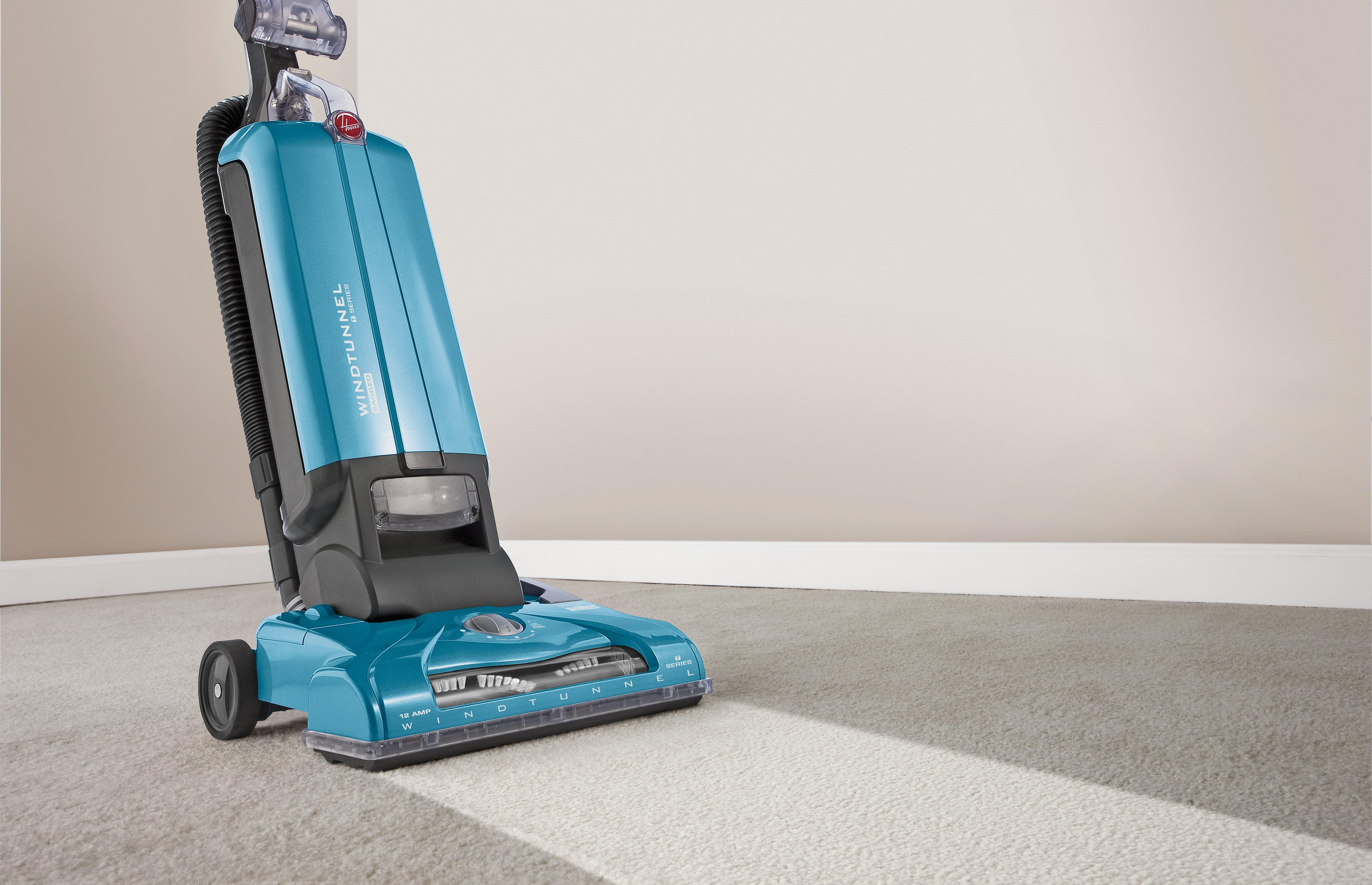 Hoover-WindTunnel-T-Series-Bagged-Upright-Vacuum-Cleaner-UH30300 thumbnail 2