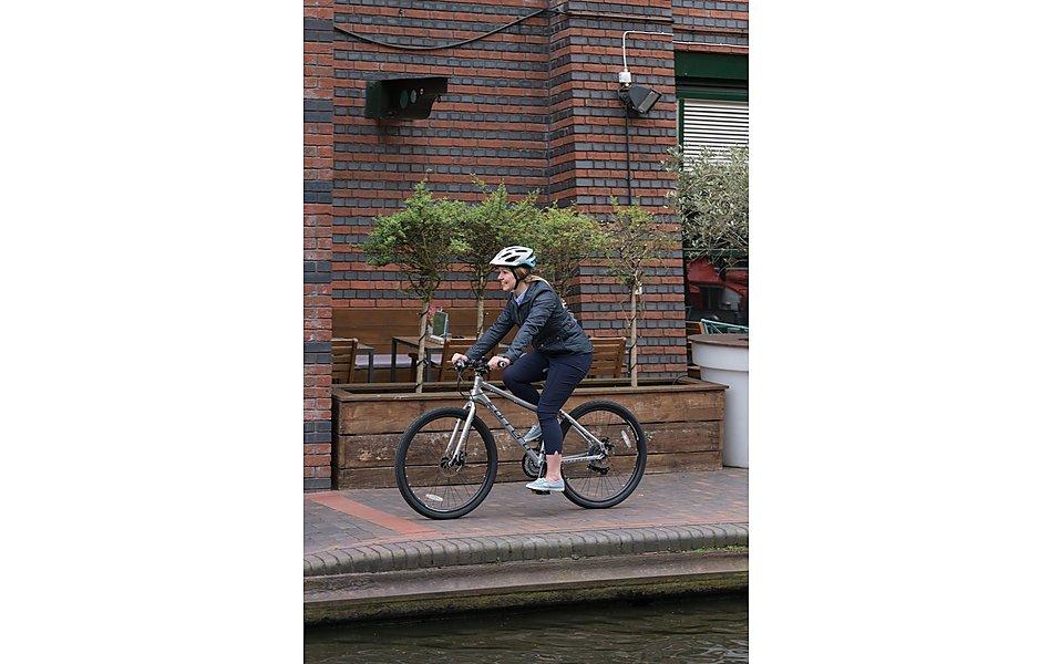 Carrera Subway 1 Womens Hybrid Bike - 14