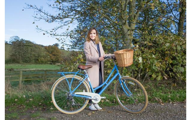 pendleton somerby hybrid bike blu