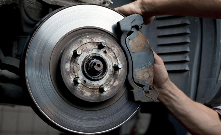 Brake And Rotor Replacement Cost >> Halfords Advice Centre | Change your Brake Pads