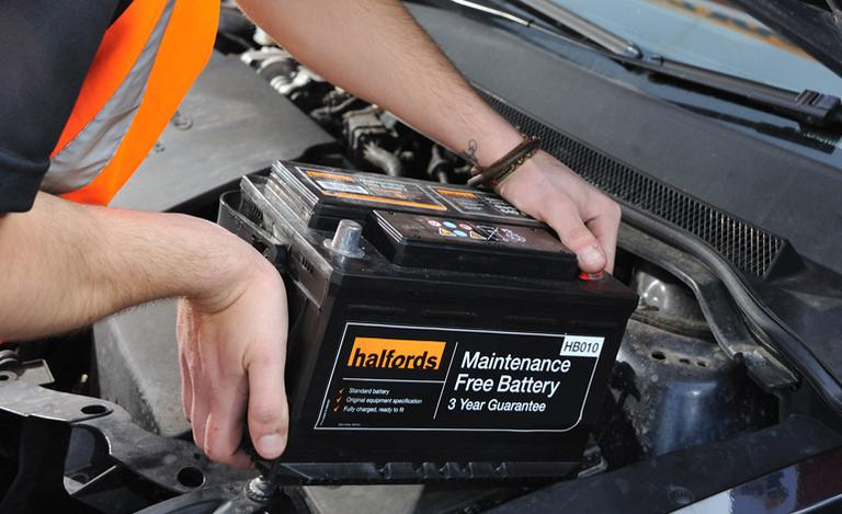 Halfords Advice Centre | Halfords Car Battery Fitting Service
