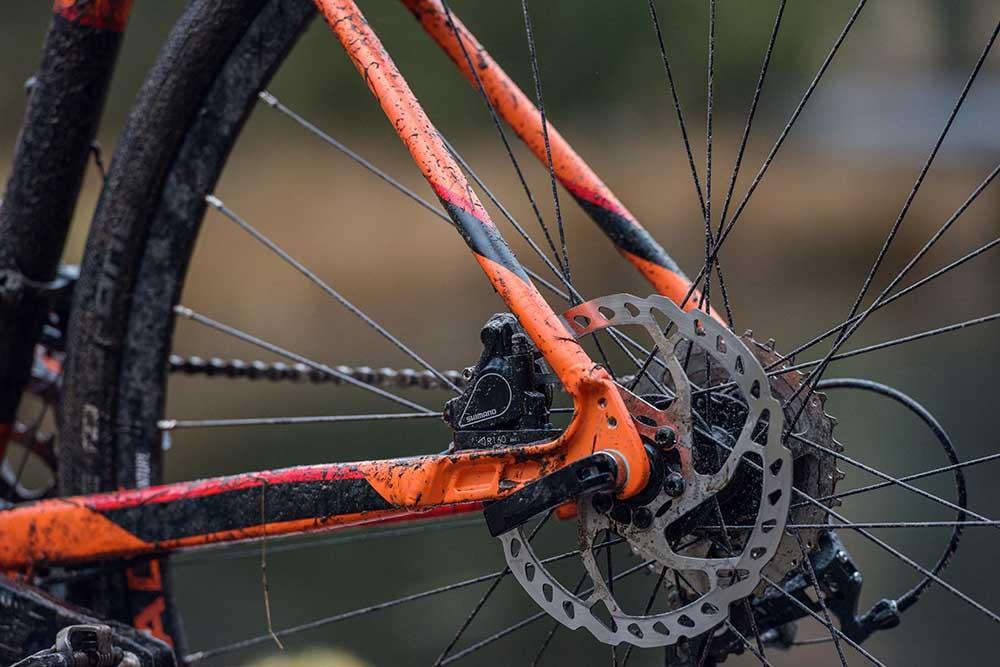 Gravel bike with disc brakes