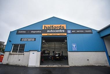 Halfords Autocentre Aberdeen (St Clair St)