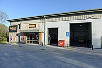 Halfords Autocentre Lymington